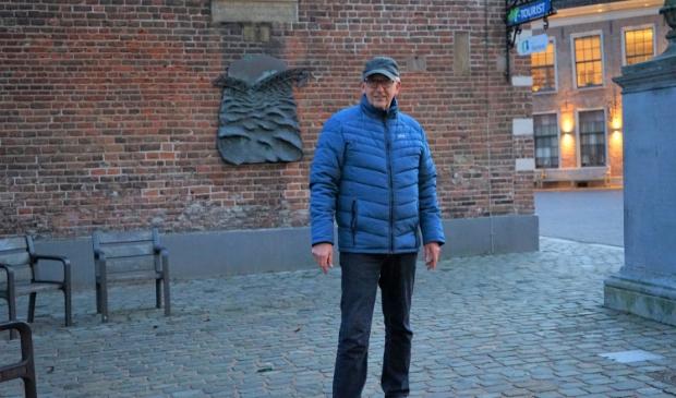 Initiatiefnemer Dolf Moesker op de locatie waar in maart de maquette wordt geplaatst.