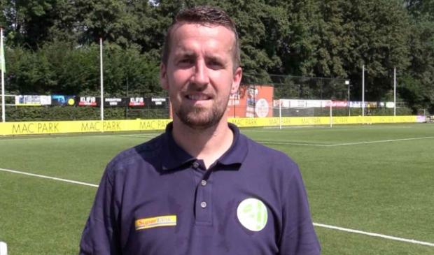 <p>Patrick Posthuma, trainer Asv Dronten</p>