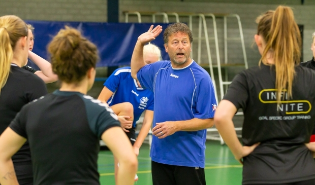 <p>Nico Einhaus op een training van HV Zwolle tijdens de voorbereiding op dit seizoen.</p>