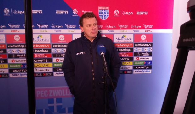 <p>Trainer John Stegeman na de wedstrijd tegen Fortuna Sittard.</p>