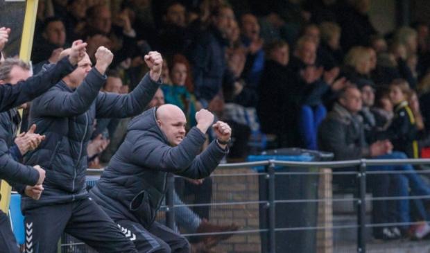 Joshua Nijlant als trainer van SV Zwolle.