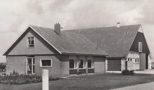 In 1961 en 1962 werden in Dronten de eerste exemplaren gebouwd.