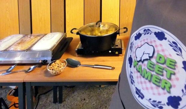 <p>Werkschort en buffettafel van de Eetkamer </p>
