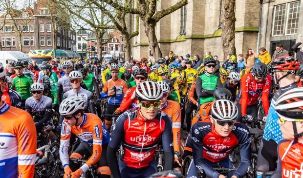 <p>De start van de Ster van Zwolle in 2020.</p>