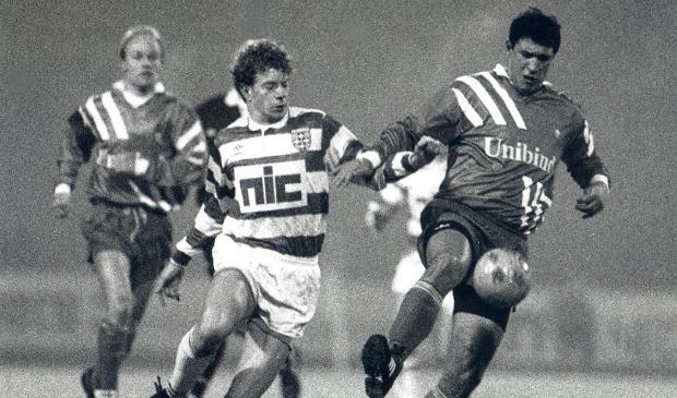 <p>Bert Konterman in actie voor FC Zwolle eind jaren tachtig van de vorige eeuw.</p>