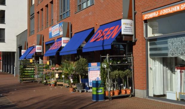 Deen in winkelcentrum Suydersee.