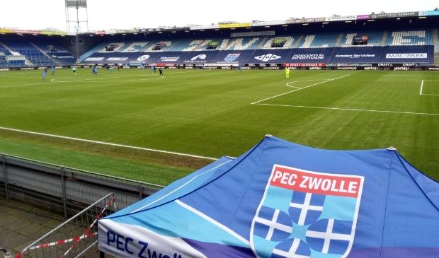 <p>Het Mac3Park stadion, thuishaven van PEC Zwolle.</p>