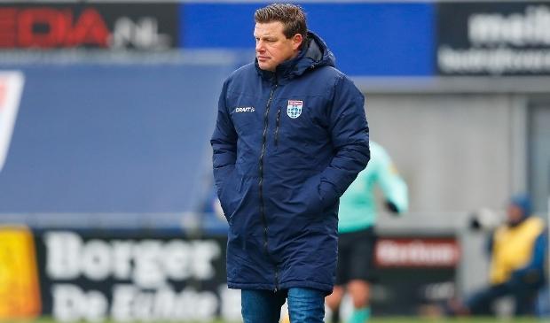 Het verhaal van John Stegeman bij PEC Zwolle is geen succesverhaal geworden en eindigt nu voortijdig.