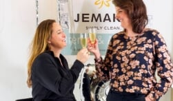 Brenda & Annelies 5 jaar JEMAKO distributiepartner