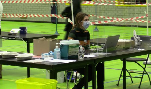 Grootschalig testen in sporthallen 't Dok.