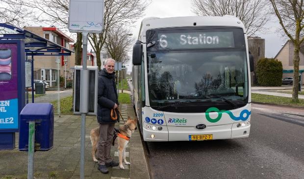 <p>Ingmar Boersma in actie tegen de versoberde bustijden in Zwolle.</p>