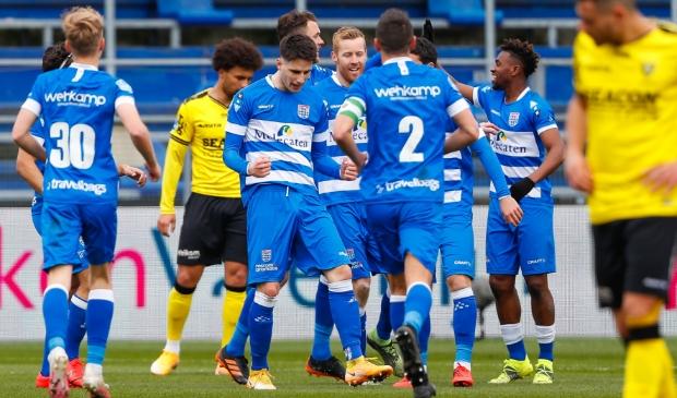 <p>Met Slobodan Tedic gaat PEC graag verder, maar de tijd van onder meer Mike van Duinen in Zwolle zit er na dit seizoen op.</p>