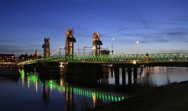 Stadsbrug Kampen earth hour.
