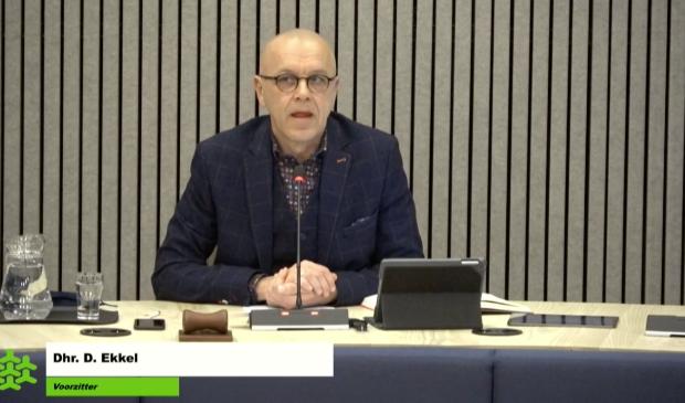 Dinand Ekkel opent de vergadering.