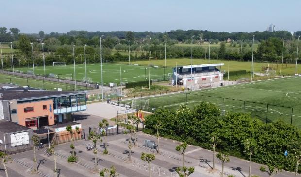 <p>De rechterkant van sportpark Jo van Marle, thuishaven van de oudste club van Zwolle.</p>