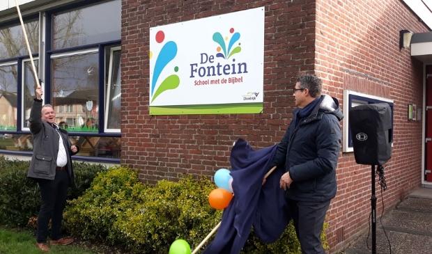 <p>Het nieuwe beeldmerk van SmdB De Fontein onthuld</p>