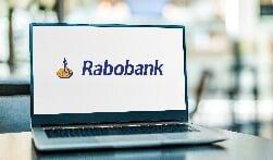 """""""Mensen vinden hun weg online, daar bewegen wij als bank in mee"""" Rabobank blijft vertrouwd dichtbij"""