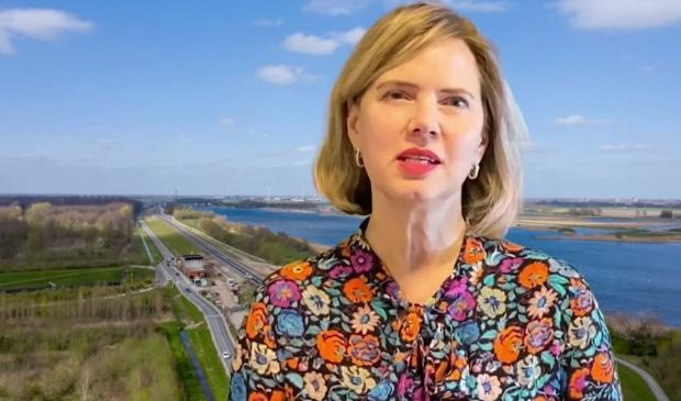Minister Cora van Nieuwenhuizen was digitaal aanwezig bij de opening van de dijk.