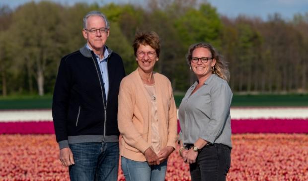 <p>Jack Dekker, Coby Dekker-van den Berg en Sara den Hertog.</p>