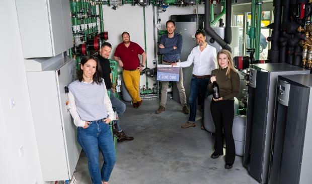 <p>Team MKB!dee &lsquo;Mobiel in de Techniek&rsquo; met van links naar rechts Maartje Heij (Nutt), Jan Gerard Gerrist (Move4Mobile), Rik Schuurman (Morrenhof-Jansen), Herbert Veneberg (TechniekOpleiding.nl), Marc Hendriks (ROVC), Annelie Stoker (Move4Mobile). </p>