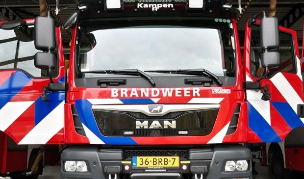 <p>De nieuwe tankautospuit van Brandweer Kampen frontaal gezien</p>