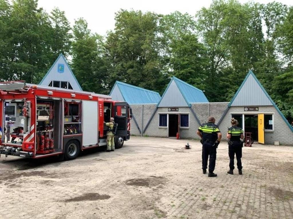 <p>Brandweer en politie bij de Flevo-Scouts.</p>