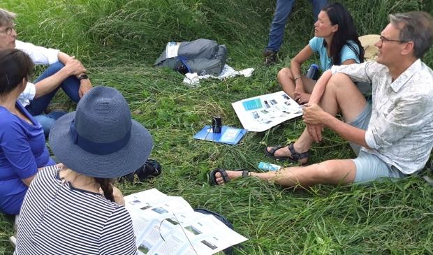 Li An Poah met bestuurders in gesprek over haar droom van een drinkbare IJssel