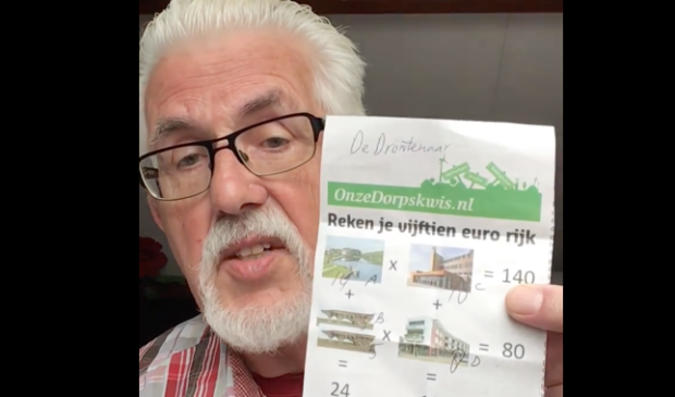 Doeke Dobma met de puzzel uit DeDrontenaar.nl.