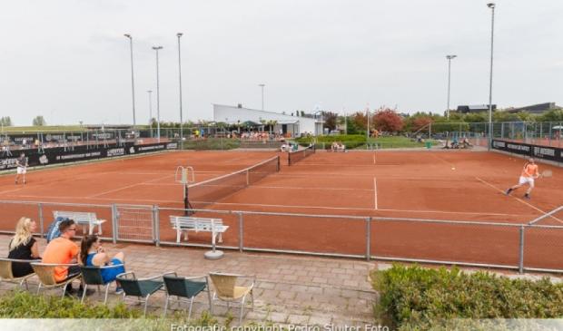 <p>Op 24, 25 en 26 juni komen er talentvolle jeugdspelers uit heel Nederland in actie op de gravelbanen van TC &#39;91 Stadshagen.</p>