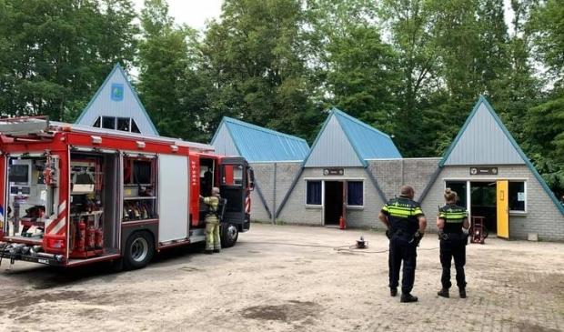 Brandweer en politie bij de Flevo-Scouts.