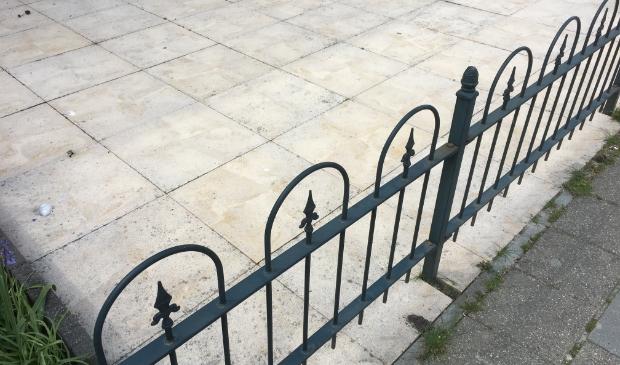 Gemeente Dronten denkt na over verbod op volledig bestraten van tuinen.