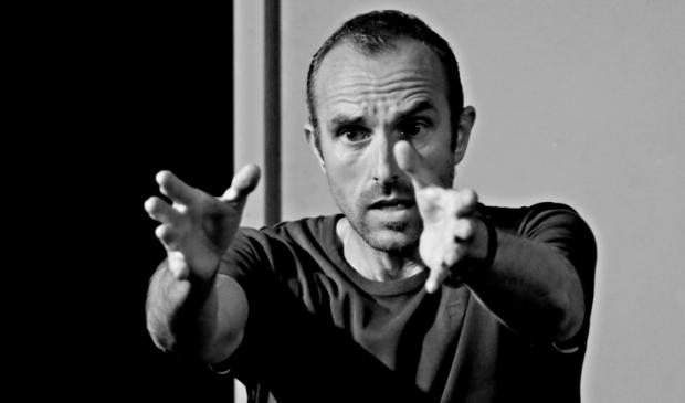 Robert Baarda tijdens zijn voorstelling 'Laat Me Gaan!'