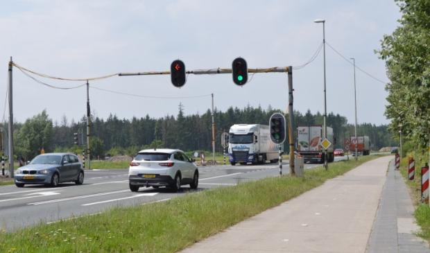 De tijdelijke verkeerslichten op de Hanzeweg.