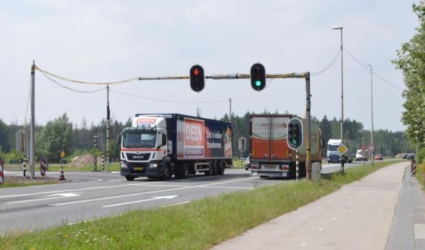 De tijdelijke stoplichten vlakbij Roggebot.