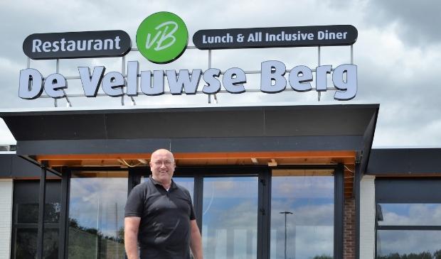 Gastheer Wim Eertink. Hij heeft al 43 jaar ervaring in het vak