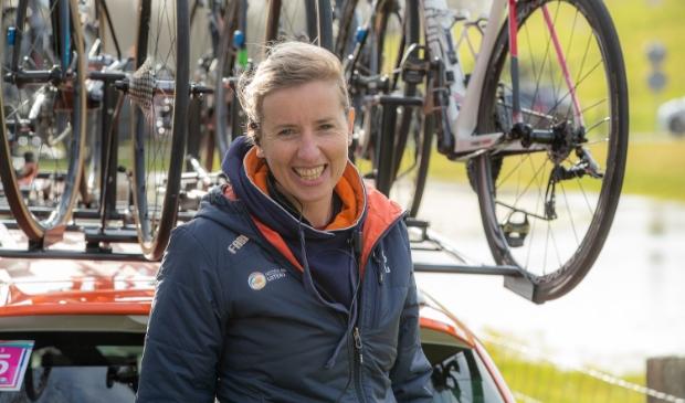 Loes Gunnewijk, bondscoach van het Nederlandse vrouwenwielrennen.