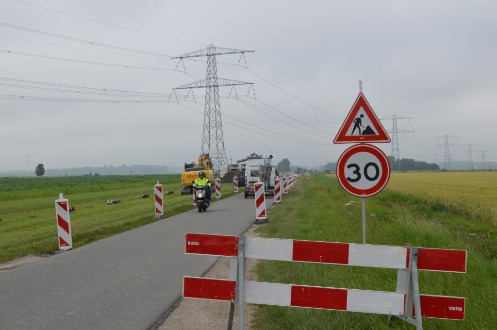 Werkzaamheden voor Windplan Blauw langs de Visvijverweg.