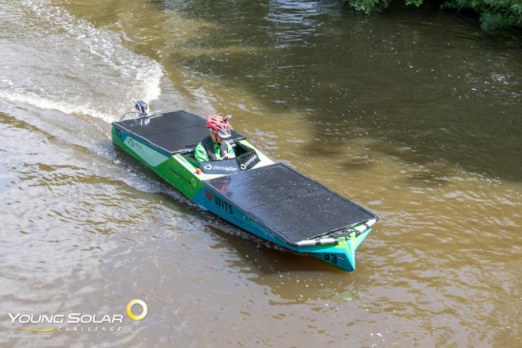 De boot van Team Zonneplan Young Solar Challenge © brugmedia