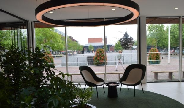 Ruimte voor persoonlijk contact in het nieuwe gemeentehuis.