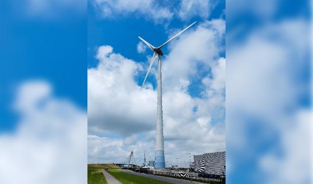 Windmolen op industrieterrein Kampen