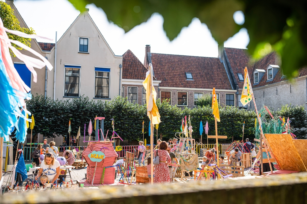 Bouwplaats tijdens het Stadsfestival op het parkeerterrein Goudsteeg. Kasper Veenstra © brugmedia