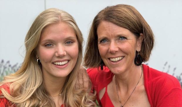Ingeborg Lups uit Dronten met dochter Amber.