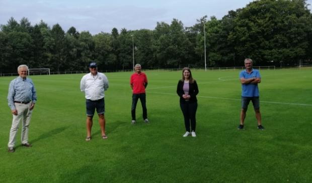 V.l.n.r. Harry Kremer, Wilco Liefers, Wim Hoogers, Judith van Duinen en Tonny Harmsen.