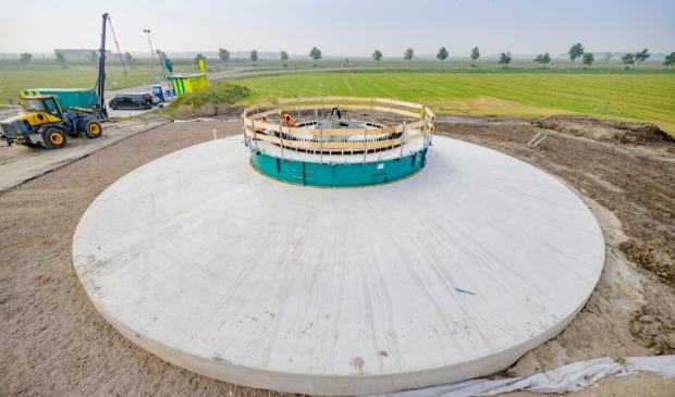 Het eerste fundament bij de Dronterringweg tussen Swifterbant en Dronten.