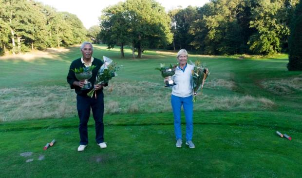 De trotse winnaars Jeanne Hazelhekke en Rolf Esser