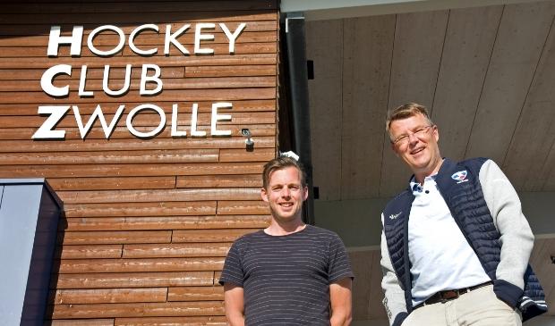 <p>Herencoach Alex Mulder (links) en voorzitter Olaf ten Thij kijken vooruit naar het nieuwe seizoen.</p>