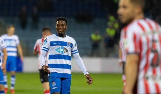 Daishawn Redan maakte in de zesde wedstrijd van deze competitie het eerste doelpunt voor PEC Zwolle. Foto: Pedro Sluiter © brugmedia