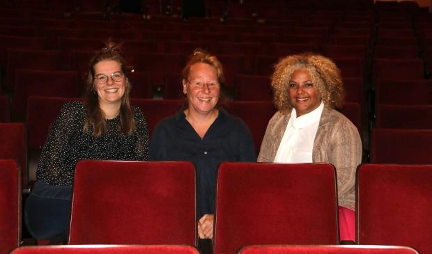 v.l.n.r. Anne van Huet Lindeman (klassiek geschoold), Marion Bluthard ( opgegroeid onder de rook van een operahuis in Stuttgart) en Gina Maria (roots in de musical maar tegenwoordig 'verliefd' op la Mascotte)
