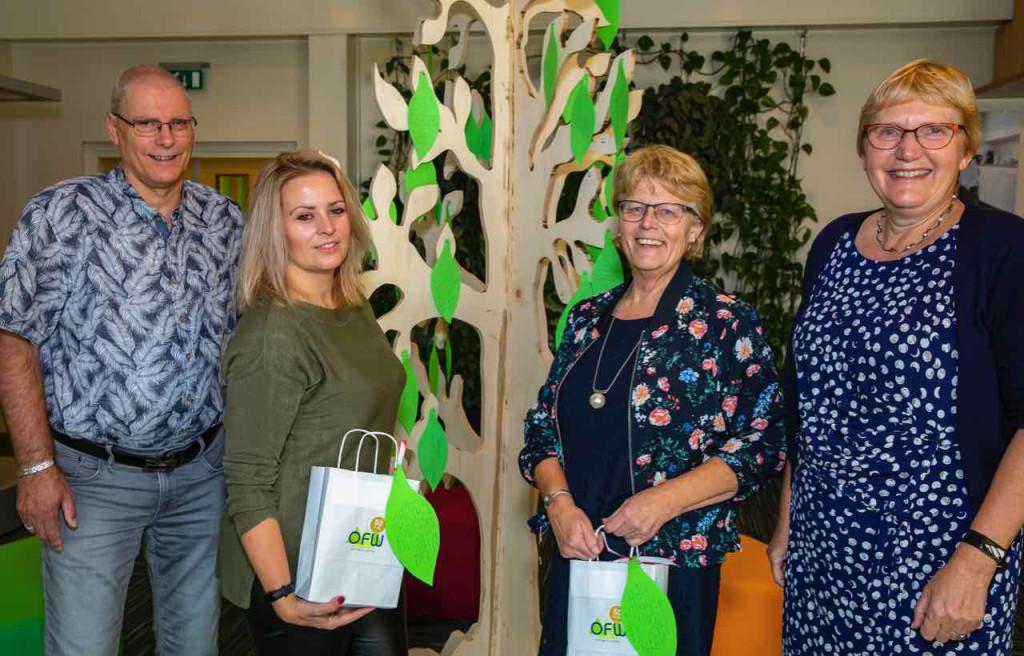 De heer Van der Laan, de dames Stallinga en Van der Laan en directeur Sweringa.