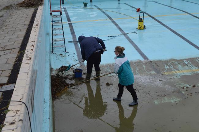 Verbeteringen zwembad Biddinghuizen véél duurder dan Dorpsbelangen dacht